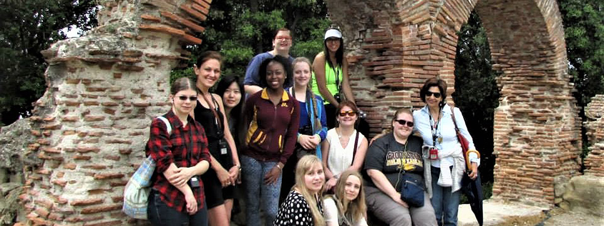UMC group photo of students studying in Italy in 2015.
