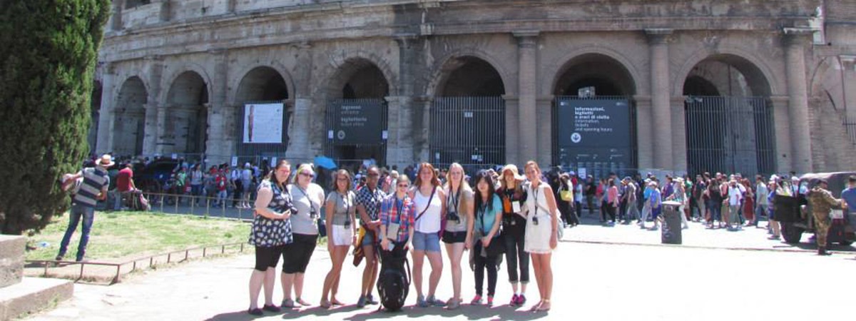 UMC Students in a group photo in Rome and Italy in 2015.
