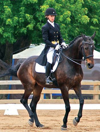 Brooke Leininger showing her horse