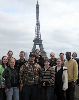 University of Minnesota students studying abroad in Paris.