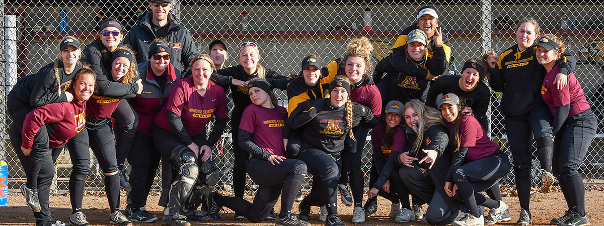 2018 Players of the Alumni Softball Game during Homecoming