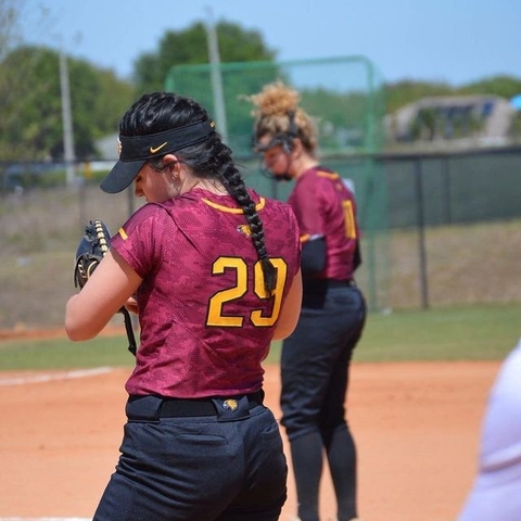 Golden Eagle Women's Softball Players